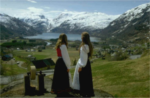 17 mai bilde frå Rabba ved slipesteinen