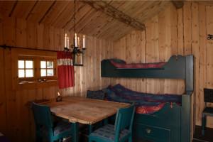 Innvendige detaljer i steinbuene i Vivassdalen hytte nr 2