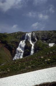 Brokefossen Hytta ligg på platået der fossen startar