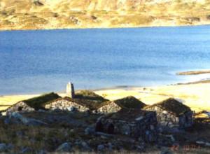 Steinbuene i Vivassdalen bada i morgonsol